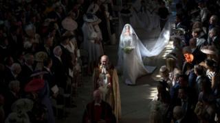 Свадьба принца Гарри и Меган Маркл - Меган идет к алтарю