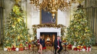 Cứ vào đêm Giáng sinh, nhiều trẻ em trên khắp nước Mỹ sẽ gọi đến Nhà Trắng để chia sẻ ước nguyện và gửi lời chúc Giáng sinh đến Tổng thống và Đệ nhất Phu nhân.