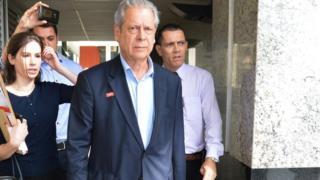 José Dirceu deixa presídio para trabalhar enquanto cumpre pena do mensalão