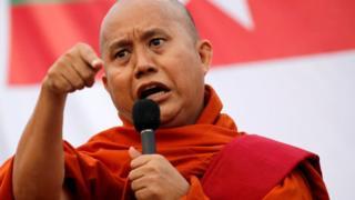 Ashin Wirathu ayaa dhibaato la kulmay markii uu weeraray Suu Kyi