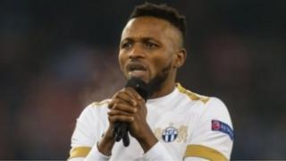 Des supporters en colère attaquent la maison d'un footballeur en Sierra Leone