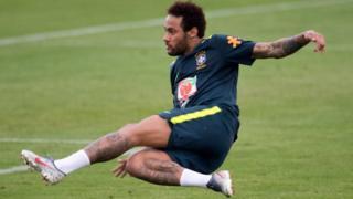 Neymar shooting