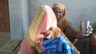 ਪਿੰਡ ਬੜਾਗੁੜਾ ਵਿਖੇ ਪਤੀ ਮਰਨ ਮਗਰੋਂ ਸਥਰ 'ਤੇ ਬੈਠੀ ਵਿਰਲਾਪ ਕਰਦੇ 24 ਸਾਲਾ ਪਤਨੀ