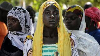 IDP Cameroonian women dey for food distribution center for Koza,