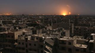 Igisirikare ca Syria kivuga ko inyubakwa za gisirikare mu ntara za Hama na Alep zatewe