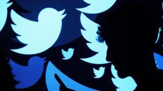 توییتر حدود ۳۳۰ میلیون کاربر دارد