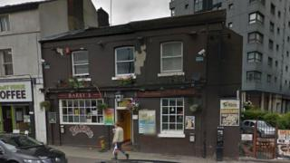 Barry's Bar on London Road