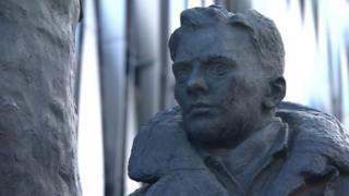 Arthur Aaron statue