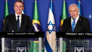 Bolsonaro e Netanyahu em anúncio conjunto, no início de abril