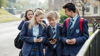 School pupils to be taught about relationships