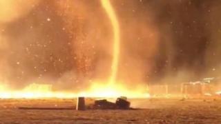 """بالفيديو: """"اعصار ناري"""" يجتاح منتجعا هولنديا"""