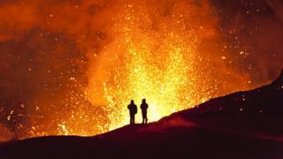 Если вы знаете, как обычно происходит извержение конкретного вулкана, то вы можете определить степень риска