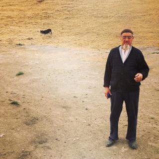 53 жаштагы Анарбай Кадыров Ак-Терек деген айылда жашайт.