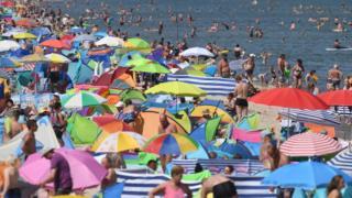 German beachgoers during a heatwave in 2019
