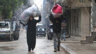 Жители Алеппо в ожидании эвакуации