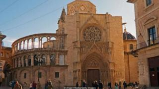Tòa thánh Valencia đang lưu giữ cái được cho là Ly Thánh.