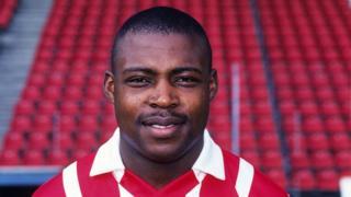 """Kalusha Bwalya dit être """"surpris et attristé"""" par la décision prise à son encontre par la Fifa."""