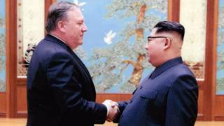 마이크 폼페오 당시 CIA 국장과 김정은 노동당 위원장