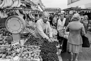 in_pictures Ridley Road Market, 1981