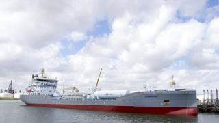 Шведский СПГ танкер Ternsund в бухте Роттердама. Нидерланды, август 2016 года