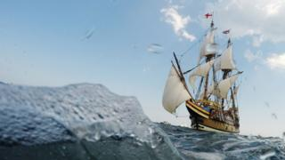 Mayflower replica sails into Plymouth