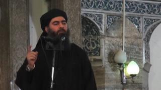 Кадр из видеообращения аль-Багдади, 2014 год