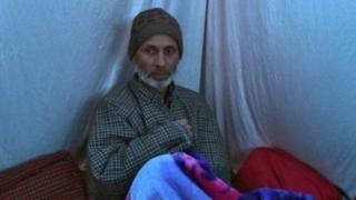 आत्मघाती हमलावर आदिल अहमद डार के पिता ग़ुलाम अहमद डार