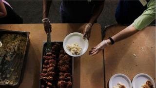 Бесплатный обед для бедняков в Филадельфии