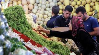 مرکز پژوهشهای مجلس: ۲۳ تا ۴۰ درصد جمعیت ایران زیر خط فقر