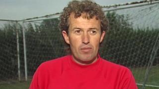 Football : un ancien entraîneur anglais reconnu coupable de pédophilie