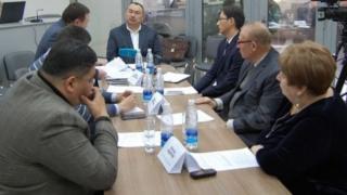 Эксперттер кыргыз паспортунун тегерегиндеги маселелерди талкуулашты