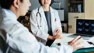 врачи в японской больнице