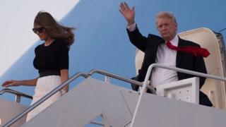 ترامب مع زوجته في الطائرة