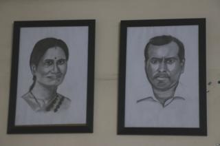 निर्भया की मां आशा देवी और पिता बद्रीनाथ सिंह