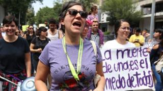 Women protesting femicide and the murder of 19-year-old Mara Castilla in Mexico City in September