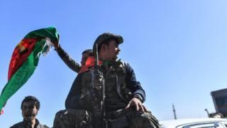 عناصر من قوات سوريا الديموقراطية (أرشيف)