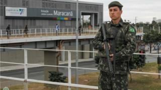 Soldado em patrulhamento