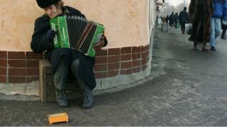 Уличный музыкант в Москве, 2000 год