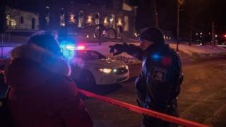 Deux hommes cagoulés ont tiré sur des fidèles dimanche à la mosquée de Québec