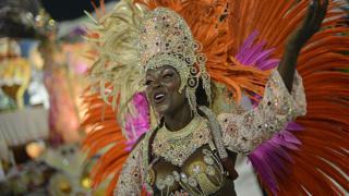 Le carnaval de Rio reste l'une des plus grandes fêtes populaires du monde.