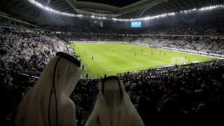 ما السبب الحقيقي لتراجع الفيفا عن توسيع عدد المشاركين في كأس العالم في قطر؟