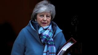 Brexit: Theresa May  determined  to leave EU on time