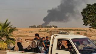 Resulayn'dan gelen fotoğraflarda bölgede dumanların yükseldiği görülüyor