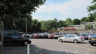 Car park of Park End street