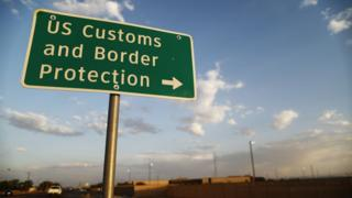 us-mexico-border-sign.