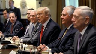 مواقف أقطاب الإدارة الأمريكية من الأزمة الخليجية تثير تساؤلات حول طبيعة دور واشنطن وفعالية وساطتها