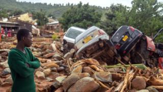 Наслідки тайфуну в місті Чіманімані в Зімбабве