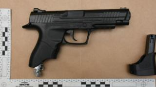 Picture of imitation firearm