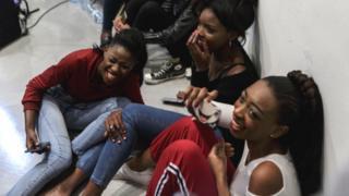 Models for Miss Africa psgent de joke backstage