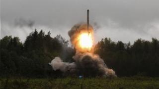 گفته شده چین و روسیه تسلیحات جدیدی ساخته اند که برتری آمریکا را تهدید می کند